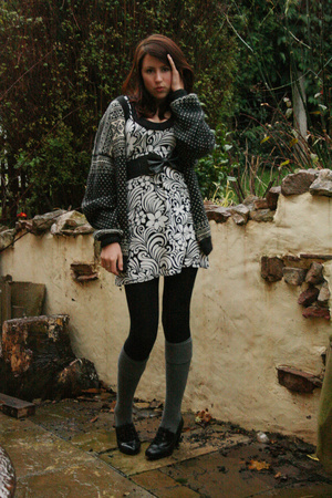my dads sweater - Dorothy Perkins dress - Peacocks belt - tesco tights - new loo