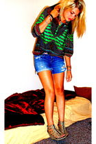 green trinity blouse - blue Forever 21 shorts - H&M shoes