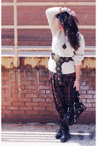 brick red pleated vintage skirt - black Dolce Vita boots - off white sweater