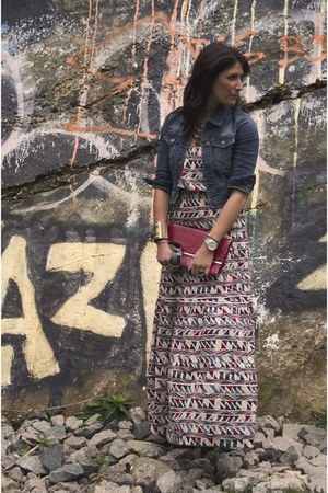 maxi dress - jean jacket - crocodile purse