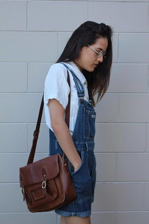 thrifted vintage shirt - gifted bag