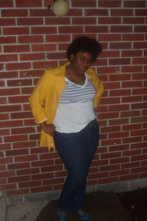 gold liz claibornez jacket - white Old Navy shirt - Burlington coat factoryr jea