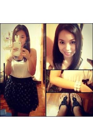 black random skirt