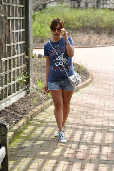silver asos necklace - off white H&M bag - blue jean shorts Forever 21 shorts