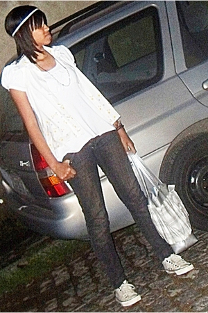white blouse - gray jeans - beige shoes - silver purse - white blazer - brown ne