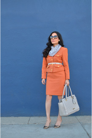 carrot orange vintage suit - beige Anne Klein bag - Gucci sunglasses