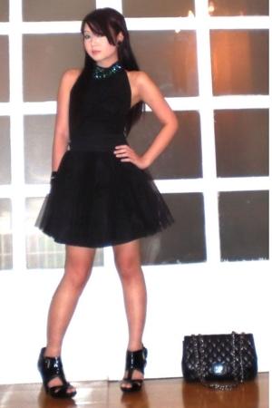 black top - black Topshop shoes - black jumbo 255 Chanel purse