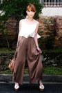 Camel-so-fab-heels-neutral-marc-jacobs-bag-light-brown-pants