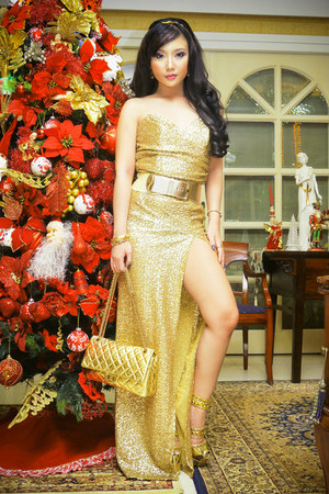 gold Style Staple dress - gold Chanel bag - gold DAS heels