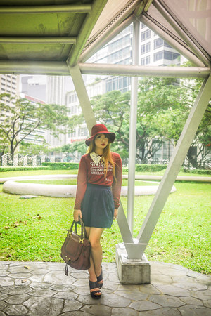navy Stradivarius skirt - crimson H&M shoes - maroon Chloe bag