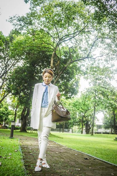 white Alexander Wang shoes - dark brown Givenchy bag
