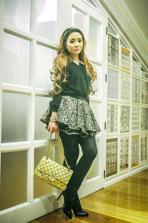 gold Chanel bag - black Zara shoes