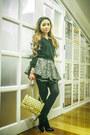 Black-zara-shoes-gold-chanel-bag