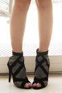 Silver-glitterati-top-gray-gap-top-green-forever21-skirt-black-online-shoe