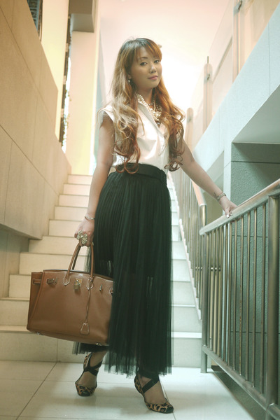 black The Urban Hour skirt - brown Jessica Simpson shoes - tawny Hermes bag