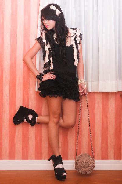 pink vest - black Topshop shoes - pink Topshop bag - black Details shorts