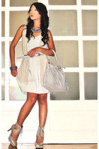 gray random brand dress - gray Topshop shoes - gray fringe hobo Chick Flick bag
