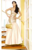 Glitterati dress - 255 Chanel bag - pearls Mikimoto accessories