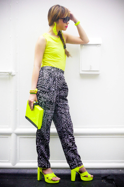 yellow 37LA bag - black Zara pants - yellow Extreme finds accessories