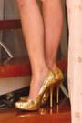 Eggshell-glitterati-dress-gold-michael-antonio-heels-cream-gucci-purse-gol