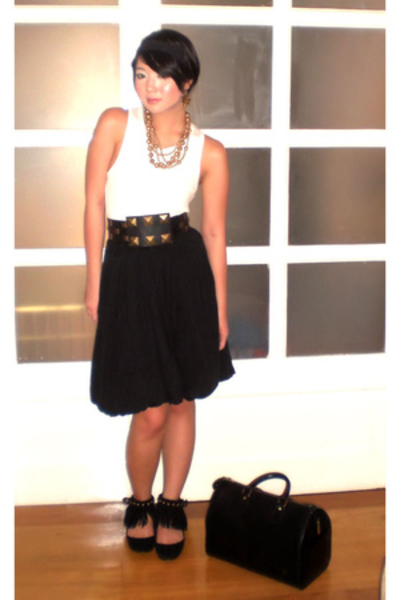 gold My jewelry collection necklace - black Zara shoes - black Louis Vuitton bag