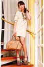 Tan-das-shoes-beige-zara-sweater-nude-stam-marc-jacobs-bag