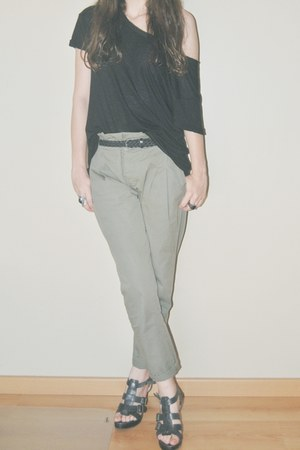 black loose Stradivarius shirt - dark gray leather Stradivarius belt