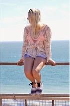 navy Levis shorts - white lace crochet Little Mistress top