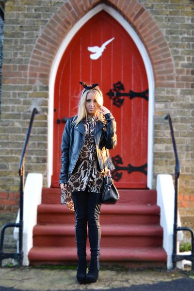 black chelsea boots asos boots - black H&M leggings