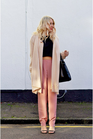 peach Great plains cardigan - black leather Zara shoes