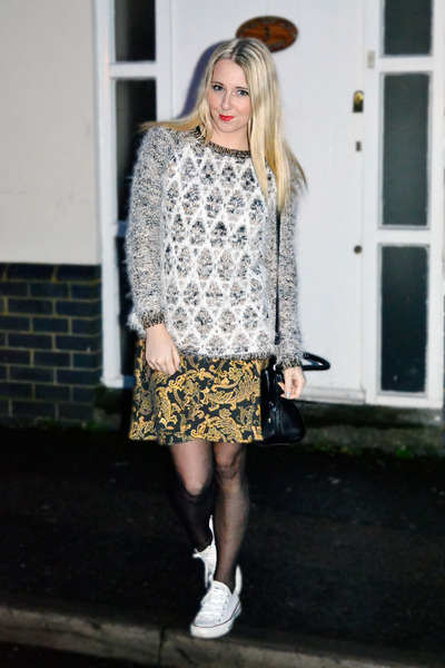 black gold print red label skirt - white fluffy River Island jumper