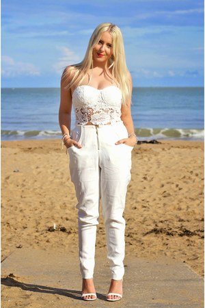 white strappy heels Missguided shoes - white bralet lace Missguided top