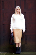 camel pvc Missguided skirt - black chelsea boots asos boots