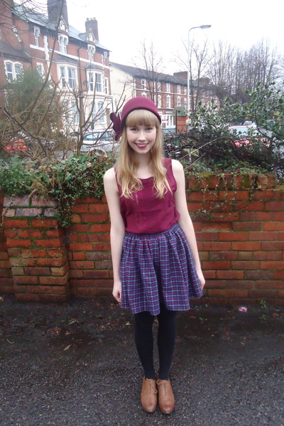 maroon flower House of Fraser hat - maroon Topshop top