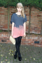 DIY t-shirt - vintage bag - collar charity shop necklace - velvet Office heels