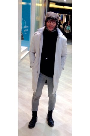 black H&M boots - heather gray coat - charcoal gray Topman jeans - tan H&M hat