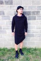 black Converse boots - black volcom hat - black Ziggy shorts