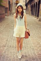laces Chicwish shorts
