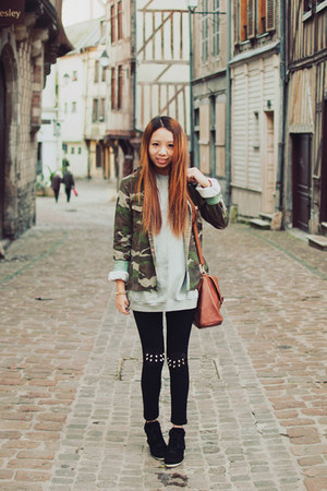 black studs leggings - dark green shirt - black sneakers