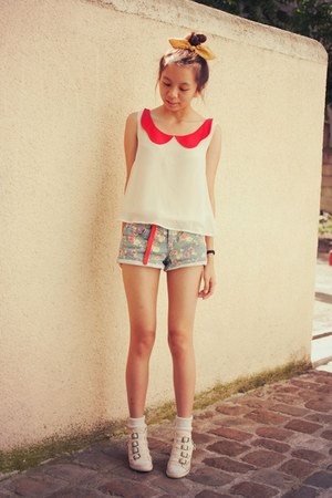 red Chicwish blouse - violet Chicwish shorts - red romwe belt - camel romwe ring