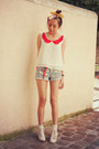 Violet-chicwish-shorts-red-romwe-belt-red-chicwish-blouse-camel-romwe-ring