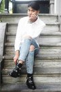Black-cut-out-boots-shoes-blue-denim-ripped-jeans-silver-silver-monki-bag