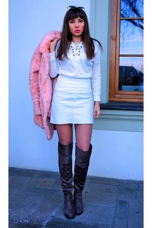 white Vila skirt