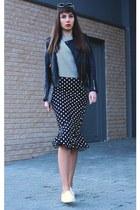black DressLink skirt - black DressLink sunglasses