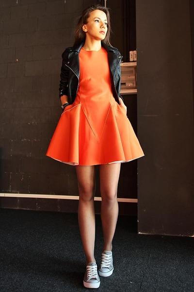 cb217dccb84b Carrot Orange Neoprene Front Row Shop Dresses, Black H&M Jackets ...