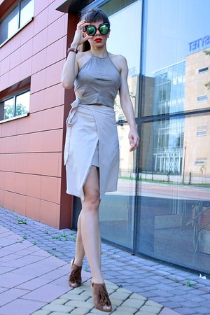 camel DressLink top - brown AmiClubWear sandals