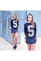 black Stussy sweatshirt - nike sneakers