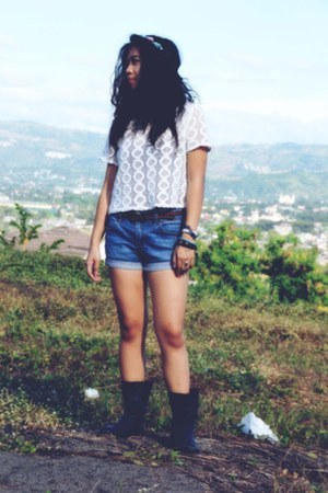 black Steve Madden boots - denim Greenhills shorts - white Forever 21 top