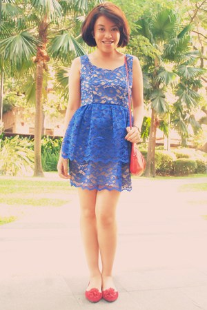 blue lace dress - red clutch Old Navy bag - red doll shoes flats