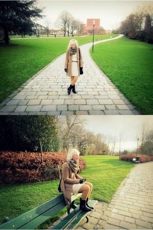 H&M coat - H&M scarf - Zara pants